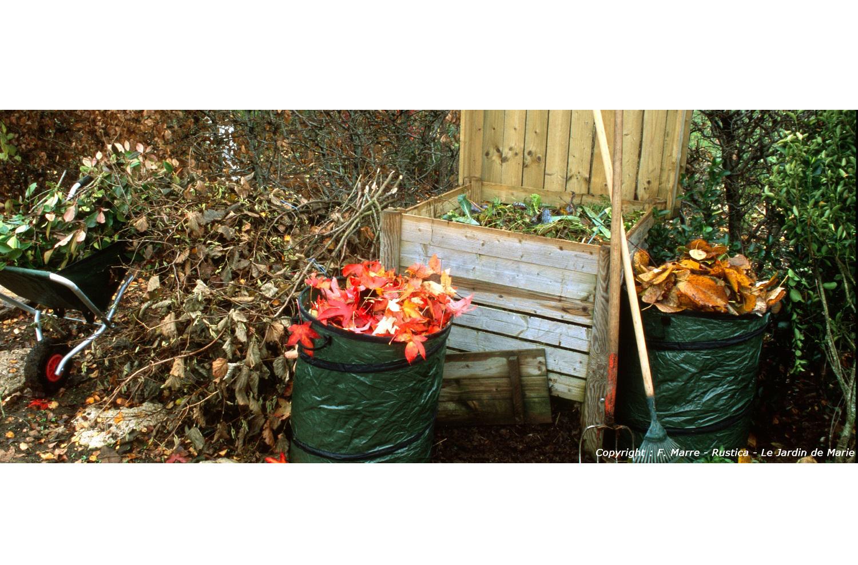 L 39 hivernage du mat riel de jardin for Broyeur de feuilles mortes