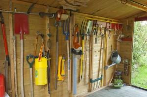 Cabanon, rangement des outils de jardin
