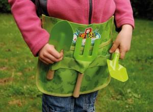 Tablier et outils pour enfant