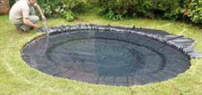 Comment installer un bassin dans son jardin blog jardin for Quelle epaisseur de bache pour un bassin