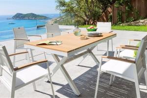 Table avec un plateau en composite imitation bois - Hespéride
