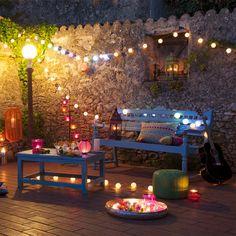 Décorer sa terrasse : guirlandes lumineuses