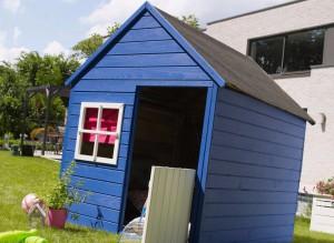 cabane-maisonnette-en-bois-pour-enfant-marina-cadeau-noël