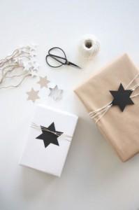 Paquets cadeau décorés à mettre sous le sapin