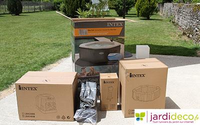 Contenu du carton du spa gonflable Intex 28454
