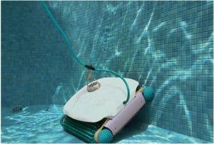 robot de piscine prévenir eau verte