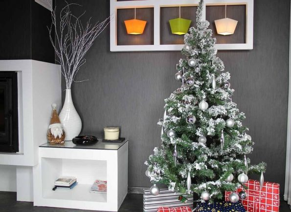 no l 2016 pourquoi choisir un sapin de no l artificiel. Black Bedroom Furniture Sets. Home Design Ideas