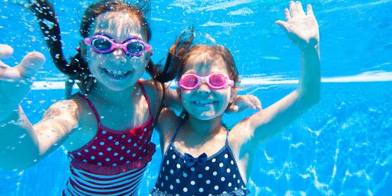 10 jeux à faire dans la piscine