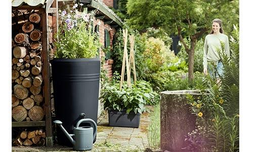 Le récupérateur d'eau de pluie green Basics Rain Barrel