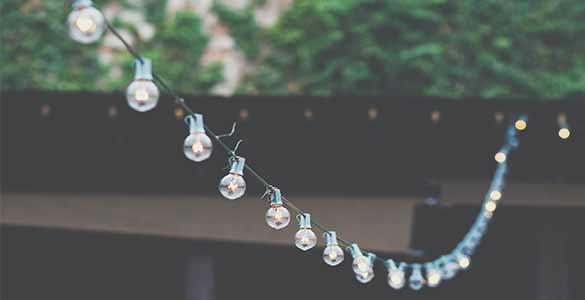 Guirlande lumineuse pour une décoration pour la terrasse et le jardin