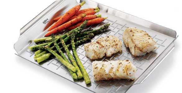 Panier pour cuire légumes et poisson au barbecue
