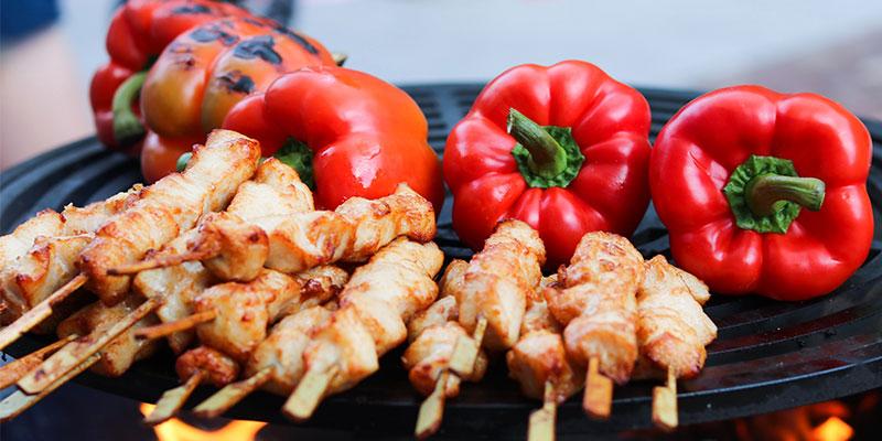 Griller au barbecue sans coller
