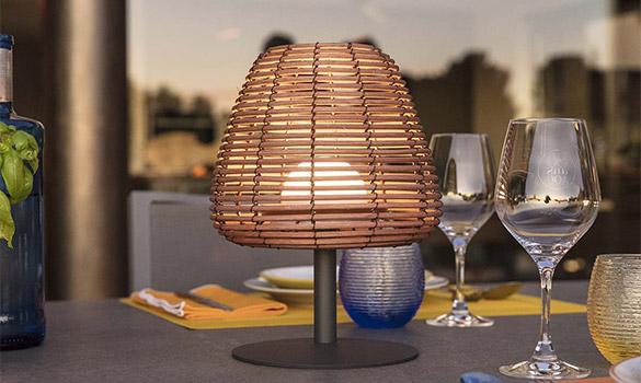 Lampe de table Lumisky en polyrotin Bohème